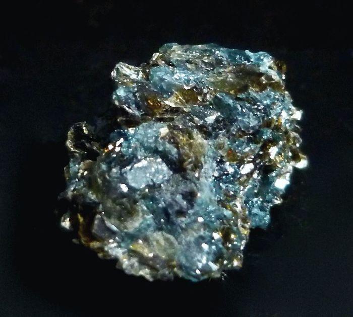 Сапфирин: одно название - два минерала Минералы, Минералогия, Лига минералогии, Геммология, Кристаллы, Длиннопост