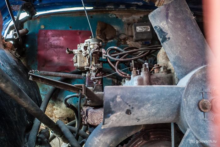 Забытый гоночный грузовой ГАЗ в центре Москвы.