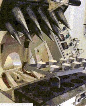 Как делают рожок для мороженки