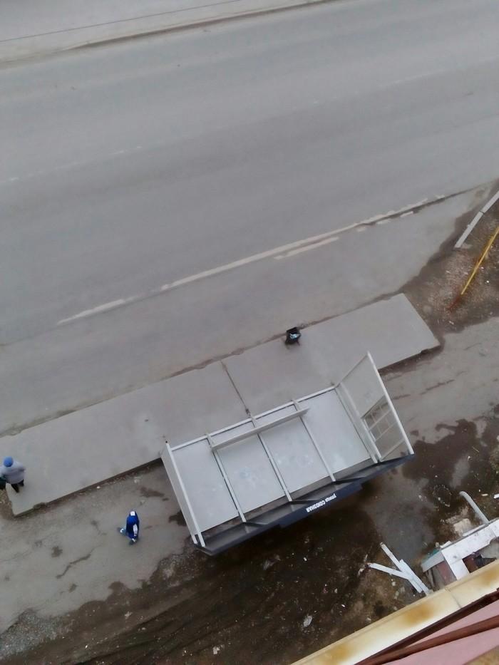 Ветер уронил остановку Тюмень, Автобусная остановка, Ветер