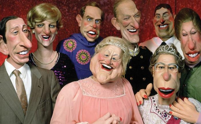 Голых жен на вечеринке охеревшие бабы берут в рот