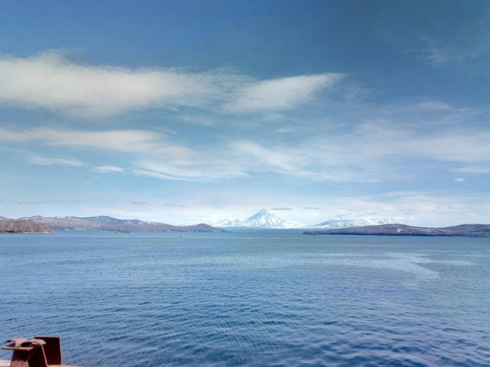 Вид с работы. Meizu M5 Note, Вид на вулканы, Камчатка