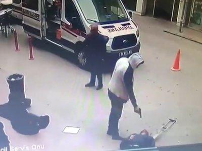 Турок расстрелял семейную пару в отместку за гибель брата Турция, Убийство, Месть, Видео