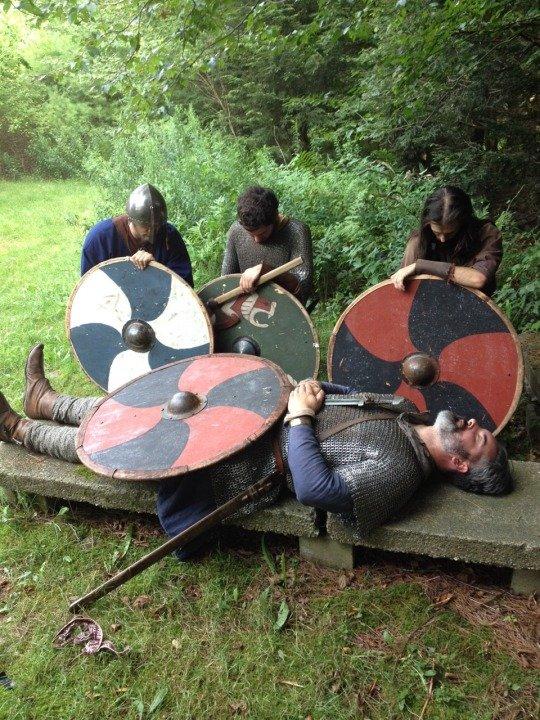 Устал играть с друзьями в викинга и решил умереть