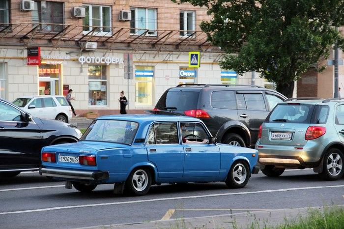 Праворульная пятёрка Lada Riva на улицах Москвы. АвтоВАЗ, Авто, Правый руль, Пятёрка, Эксклюзив, Riva, 2105, Интересное