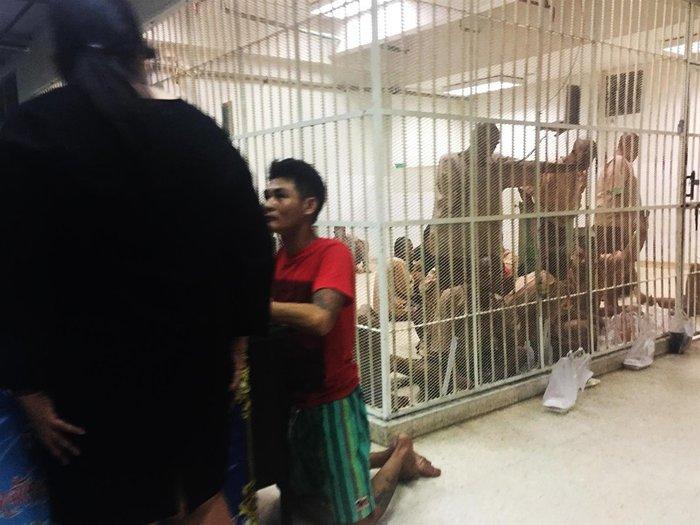 """""""С трансами в душ лучше не ходить"""". Россияне — об иностранных тюрьмах. тюрьма, зарубежное, Таиланд, Бразилия, Франция, длиннопост"""