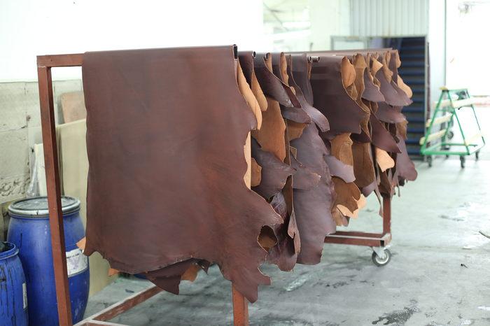 Как создают кожу, этапы производства от Шкуры до Кожи. Кожа, Кожа натуральная, Изделия из кожи, Длиннопост, КРС