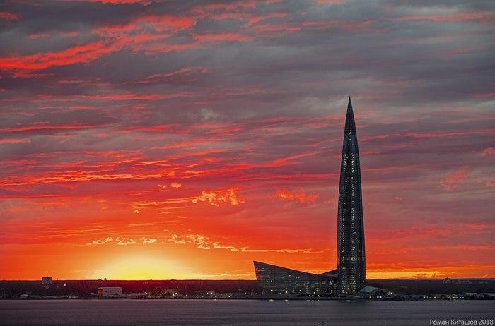 Я вижу, как закат стёкла оконные плавит... Роман Киташов, Лахта-Центр, Закат, Санкт-Петербург, Фотография
