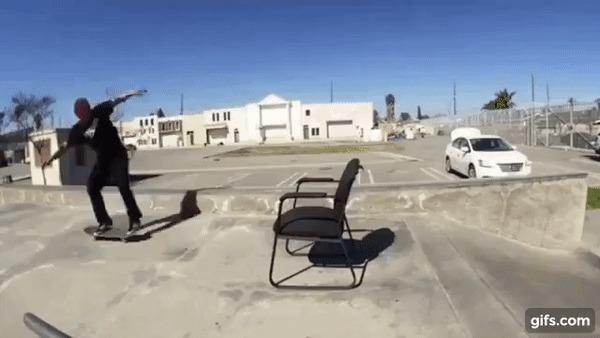 Действительно крутой трюк со стулом