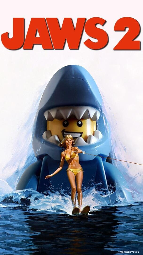 Если бы Lego создавали постер к фильму Челюсти-2