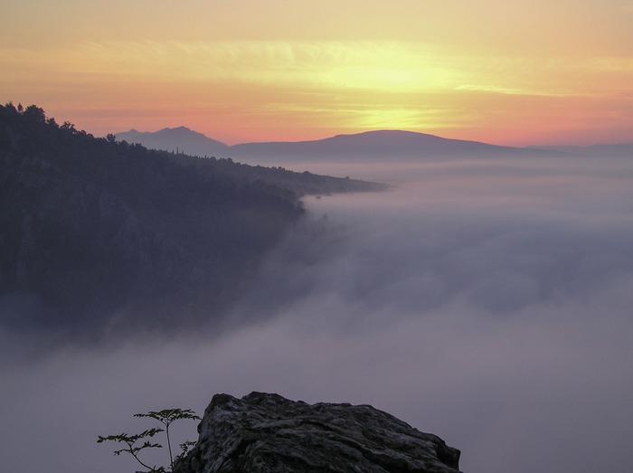 Туман течёт по ущелью Айгир Начинающий фотограф, Айгир, Башкортостан, Восход, Туман
