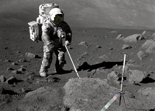 Следы астронавтов и роверов нагрели Луну наука, новости, астрономия, Луна, астронавт, следы, космос