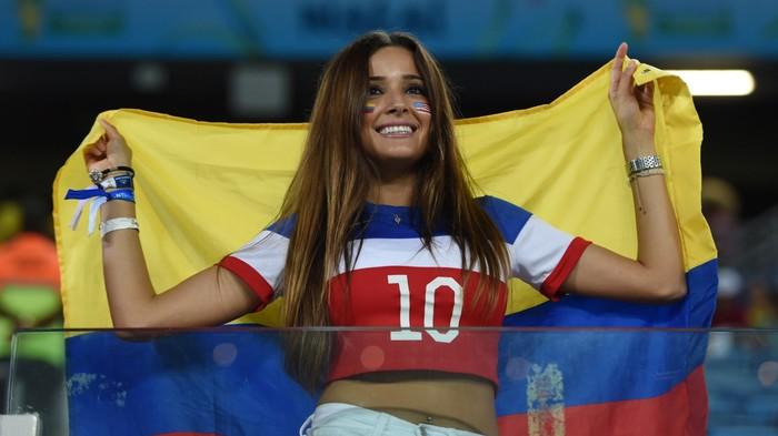 Задорные болельщицы футбол, чемпионат мира, девушки, болельщицы, длиннопост