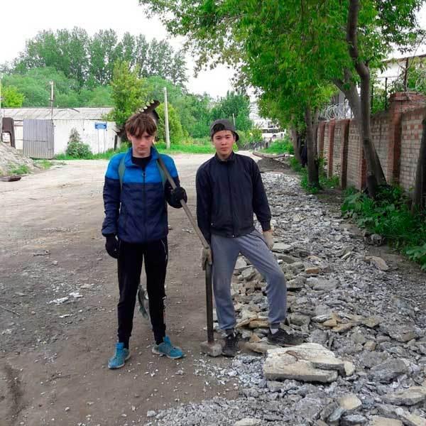 В Челябинске подростки решили своими силами сделать дорогу к понтонному мосту Челябинск, дорога, инициатива, волонтерство, длиннопост, позитив