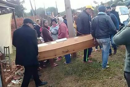 Живой мертвец. Молодой человек пришёл на собственные похороны похороны, неожиданно