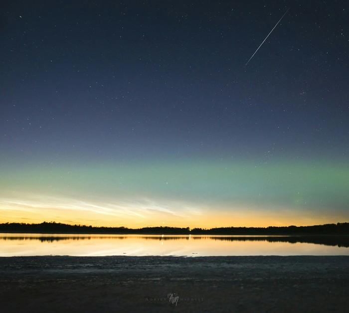 Три атмосферных явления в одном кадре! Фотография, Северное сияние, Метеор, Облака