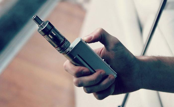 В России вейпы могут приравнять к обычным сигаретам Общество, Россия, Вайп, Вайпер, Электронные сигареты, Минздрав, Liferu, Антитабачный закон