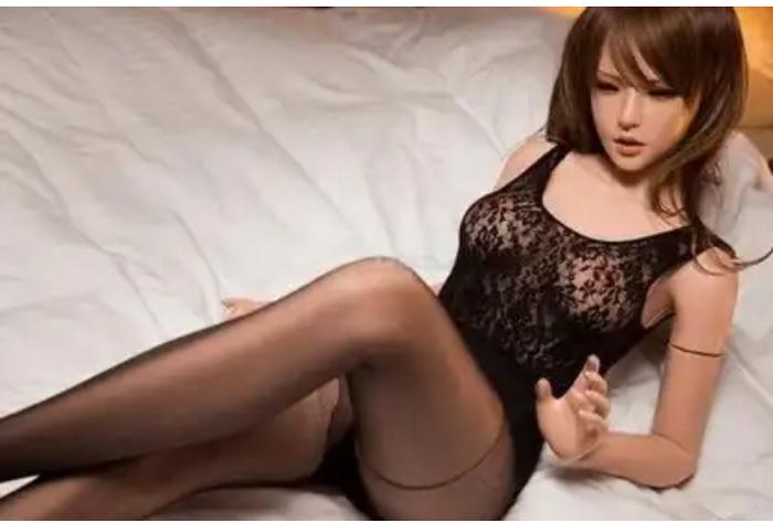 porno-video-volshebnie-chasi-aziya-rukami
