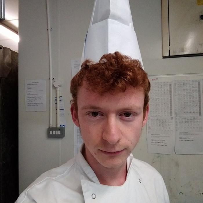 """""""Работаю поваром, и вы даже не представляете, сколько людей говорят, что я похож на одного парня из мультика Рататуй"""" Повар, Рататуй, Лингвини альфредо, Сходство, Мультфильмы, Reddit"""