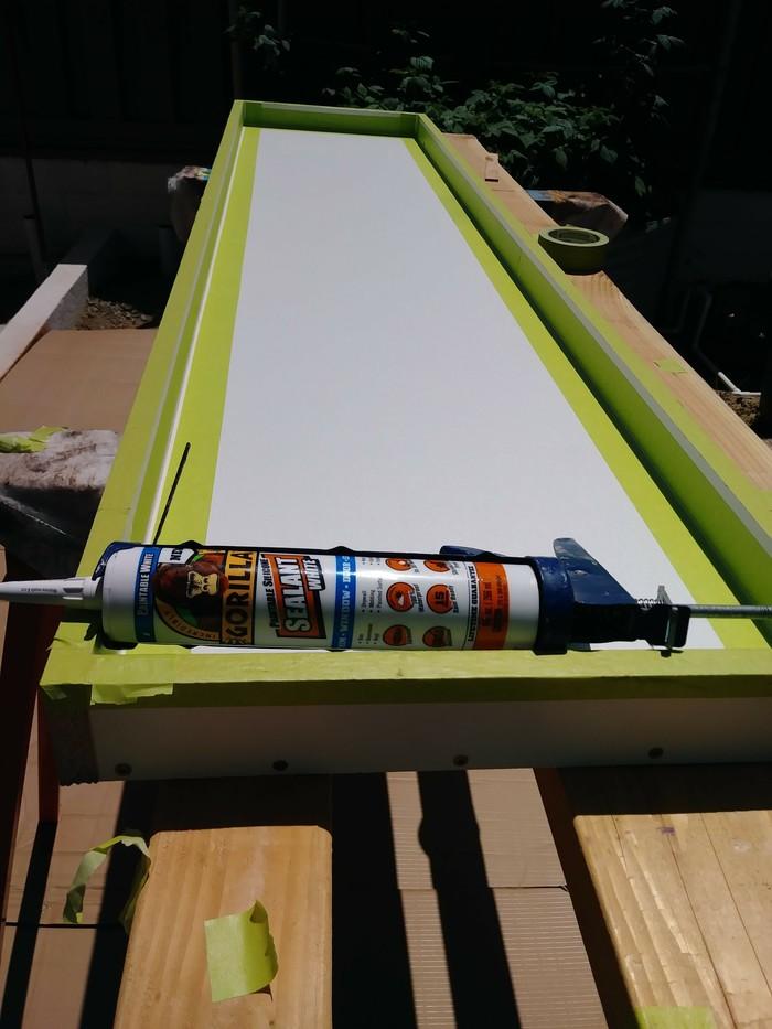 Как сделать бетонный столик с золотой жилой