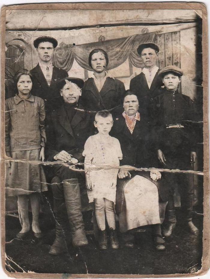 Семейная история на помойку Семья, Семейная жизнь, Генеалогическое древо, Семейное фото, Бабушка, Фотография, Предки, Длиннопост