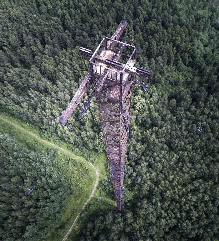Заброшенная 200-метровая мачта радиоцентра №9