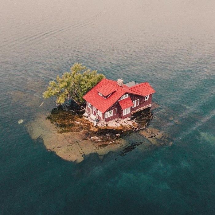 Самый маленький обитаемый остров в мире Остров, Длиннопост, Фотография, Тысяча островов, Архипелаг, Дом