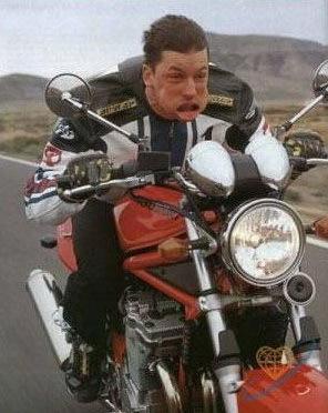 Байкер без шлема Байкеры, Насекомые, Рот, Шлем, Экипировка, Мотоциклы, Мотоциклист