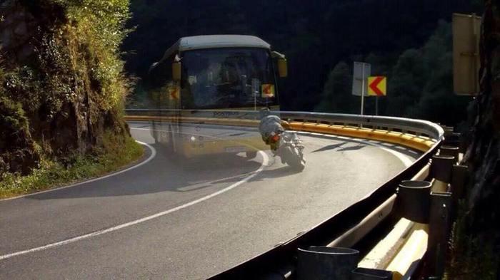 """""""Водите осторожно, опасность может поджидать за каждым поворотом"""""""