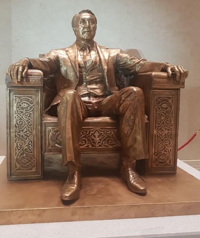 Найди 10 отличий Казахстан, Нурсултан Назарбаев, Зачем, Кто больше, Народная любовь