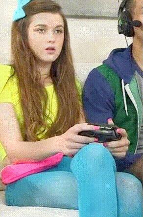 То чувство, когда побеждаешь в игре... Девушки, Игры, Удовлетворение, Гифка