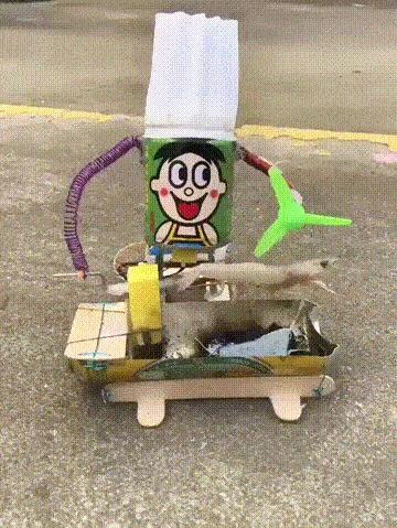 Маленький робот-поварёнок
