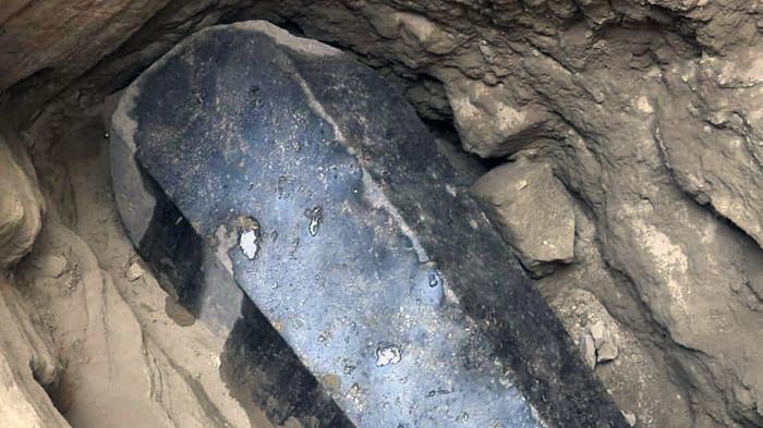 В Египте началась операция по вскрытию черного саркофага Египет, Саркофаг, Вскрытие, Археология
