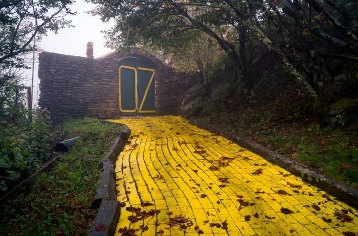 """Заброшенный парк по мотивам """"Волшебника страны Оз"""" Заброшенное место, Волшебник страны оз, Парк, Длиннопост, США, Северная Каролина"""