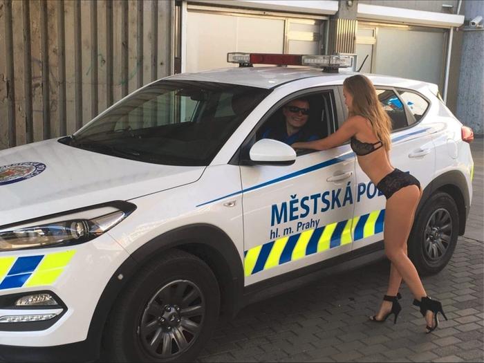 Пражская полиция юморит. Прага, Полиция, Хотелось как лучше