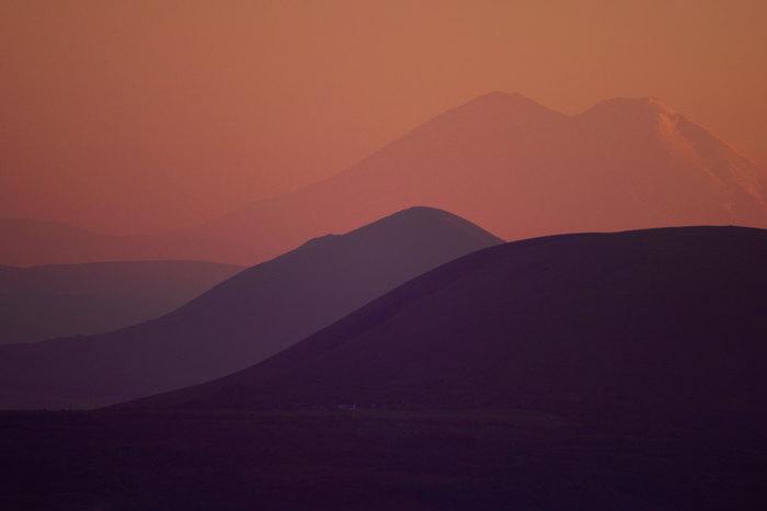 Эльбрус с расстояния 93 км Пятигорск, Эльбрус, 300мм, Закат, Телеобъектив