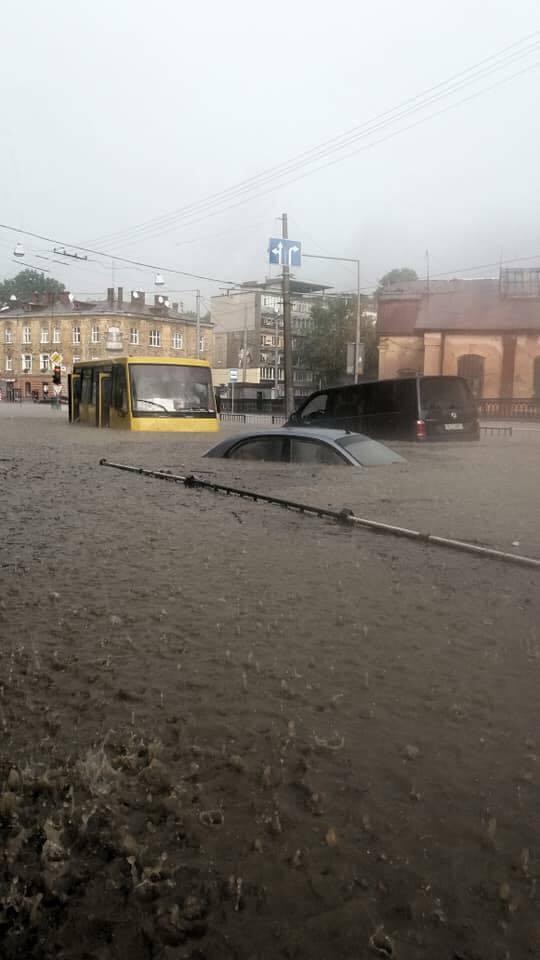Львов сегодня Украина, Львов, Гроза, Дождь, Длиннопост