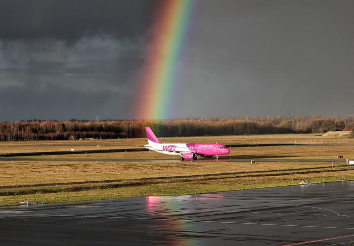 В цветах радуги Радуга, Авиация, Самолет, После дождя