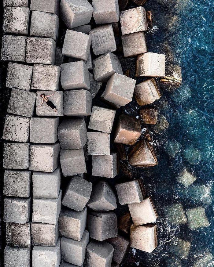 Что-то у вас рафинад какой-то серый Рафинад, Волнорез, Италия, Фотография