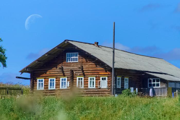 Луна и деревенский дом Астрофото, Пейзаж, Луна, Телеобъектив, Архангельская область