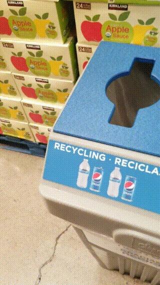 Слева - переработка, справа - мусор Переработка, Мусор, Экология, Магазин, Обман, Тщетность, Гифка