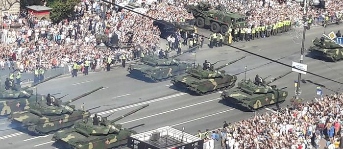 Сегодняшний парад в киеве и парашенко-х....ло. Украина, Парад, Порошенко, Парашенко и тд, ЗРК, Танки, Су-27, Длиннопост