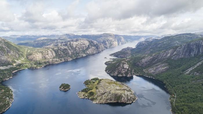 Потрясающая природа Норвегии, Люсе-фьорд