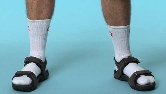 Модно? Мода, Сандали с носками
