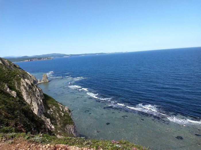Море, белый песок и Маяк на полуострове Балюзек Мыс, Маяк, Море, Приморский край, Длиннопост