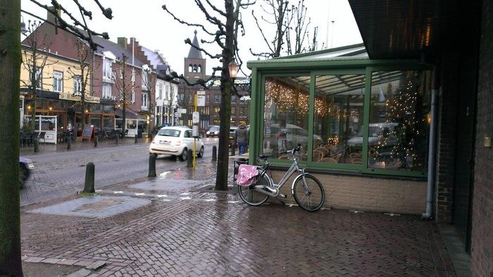 Кафе на границе Нидерландов и Бельгии Нидерланды, Бельгия, Кафе, Длиннопост