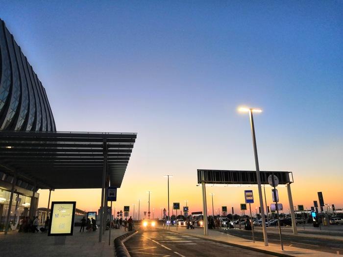 Аэропорт Симферополя Крым, Отпуск, Самолет, Аэропорт, Закат, Задержка