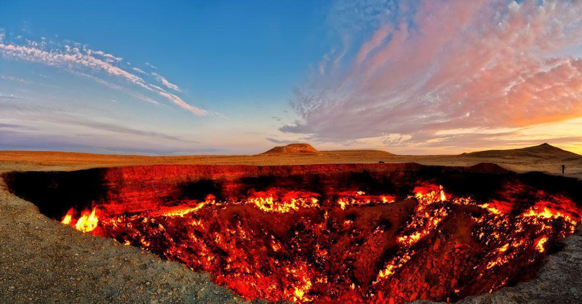 TURKMENISTAN: 'Cổng địa ngục' cháy liên tục gần 50 năm (VIDEO)