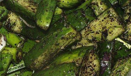 Супербыстрые огурчики. Вариация с черной солью Еда, Рецепт, Кулинария, Малосольные огурцы, Огурцы, Соленые огурцы, Длиннопост