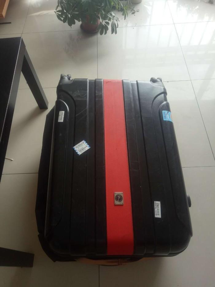 Кто потерял чемодан? Москва - Урумчи[Хозяин нашелся] Аэропорт, Без рейтинга, Москва, Китай, Чемодан, Утерянный багаж